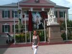 id:1262 : 2012-06-29/thumbs/the_parliament_of_bahamas__with_tribute_to_queen_elizabeth_in_nassau..jpg